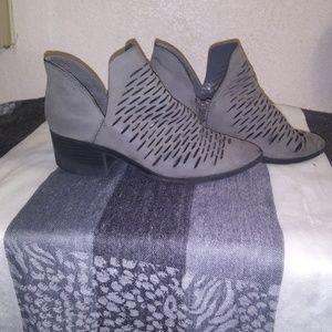 CITY CLASSIFIED grey bootie shoe